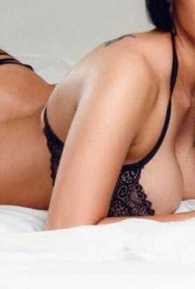 Anvi Female Escorts In Dubai $ O5694O71O5 $ Female Call Girls In Dubai