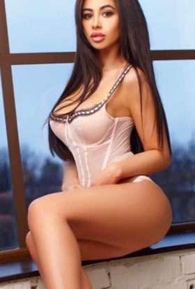 Eshana Independent Escorts Dubai $ O5694O71O5 $ Independent Call Girls Dubai